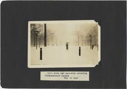fp2567(Winter_CaptionGirlRedUmbrellaIndependenceSquare1926_Park_Snowing)