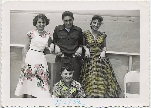 Lovely TINTED GUY with his TWO GIRLS and KID BROTHER! SHIPBOARD!