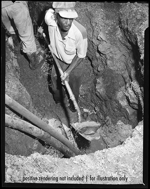 4x5 NEGATIVE PRESS PHOTO BLACK AFRICAN-AMERICAN MAN DIGS EXCAVATES PIPES