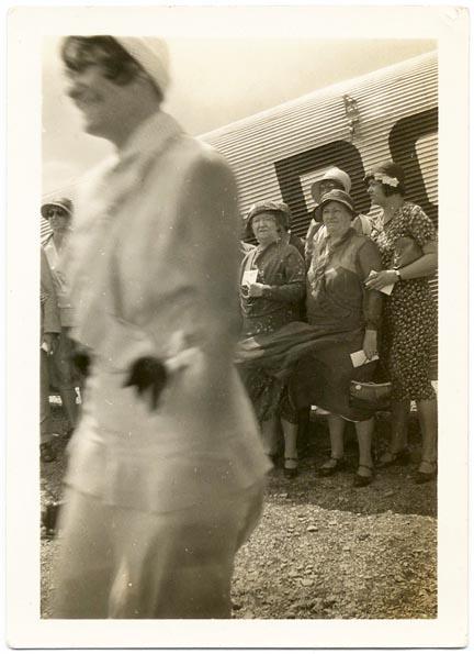 fp2012 (Blur-Woman-Plane)