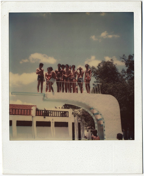 POLAROID GROUP of HUNKY SHIRTLESS BIG BULGE MEN on TOP of DIVING BOARD gay int
