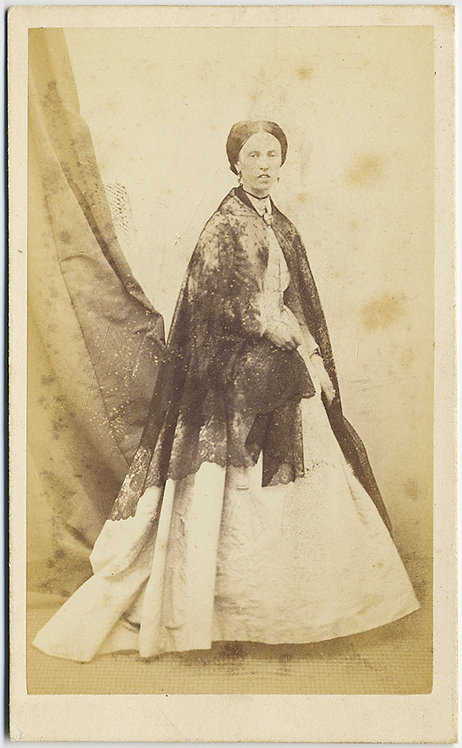 GUSTAVE LeGRAY CDV! WOMAN with SHAWL!