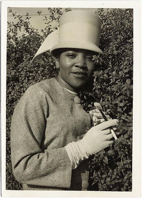 GREAT PORTRAIT! African-American WOMAN in FANCY HAT, smoking CIGARETTE in HOLDER
