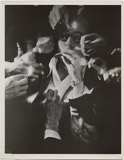 fp5814(PF_ACME_SMokingCigar_Hands_Mataches_Glasses)