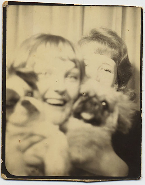 """DIG THOSE EYEBALLS"" PHOTOBOOTH WOMEN & CUTE PUG PUPPY DOGS POSE CAPTION REAR"