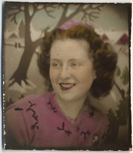DELICATE EXPERTLY HAND PAINTED HAND TINTED PHOTOBOOTH WOMAN in PINK SNOW SCENE