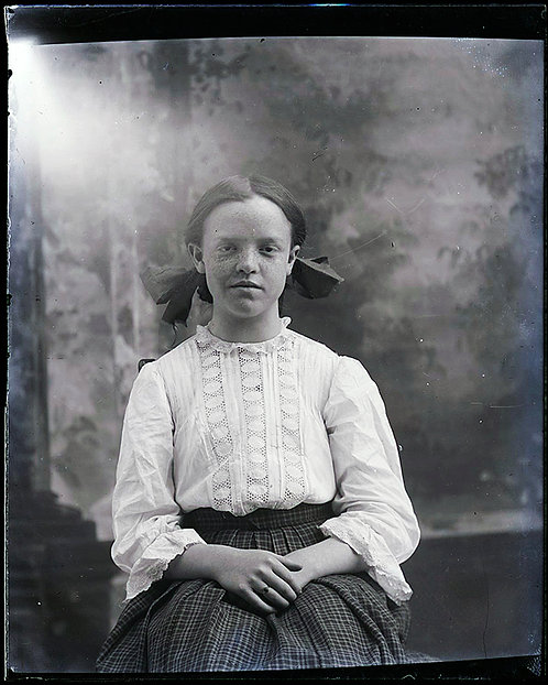 4X5 GLASS NEGATIVE STUDIO SHOT PRETTY GIRL FRECKLES and BOW