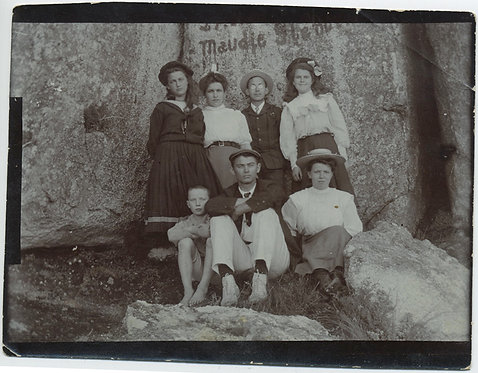 GROUP YOUNG BOYS & GIRLS POSES in front of HUGE GRANITE BOULDER ROCK GRAFFITI