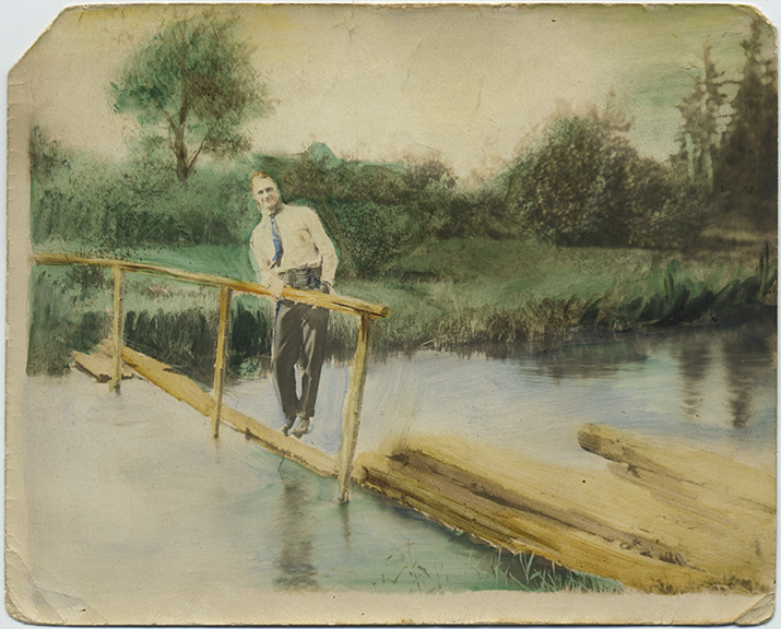 fp5866(Man_Bridge_River_Tinted)