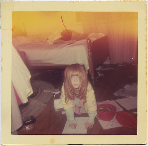 STRANGE WEIRD LITTLE GIRL in WIG & FABULOUS LIGHT LEAK ABERRATION CREATES ART