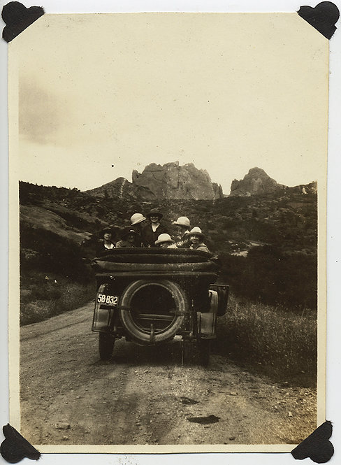 CARFUL of SEVEN WOMEN TOURISTS VISIT GARDEN OF THE GODS VINTAGE TOURING VEHICLE