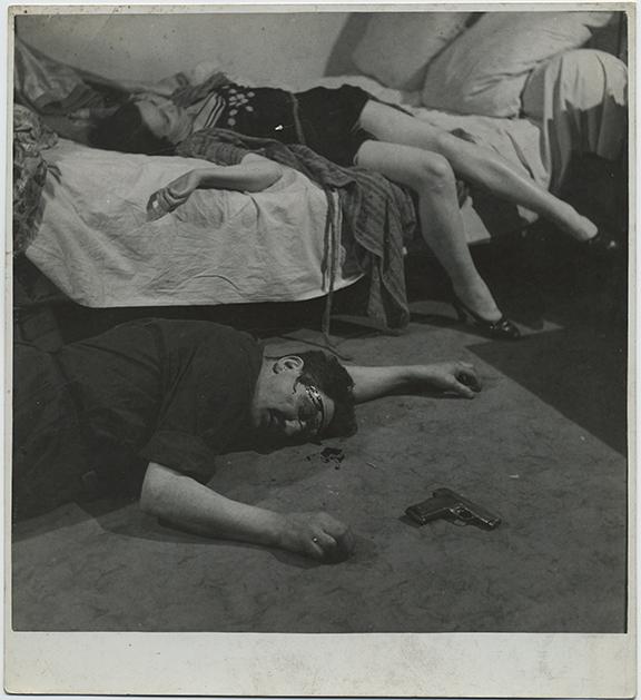 fp6032(Seruzier_Man&Woman_Bed_MurderSuicide_Gun_BloodHead)