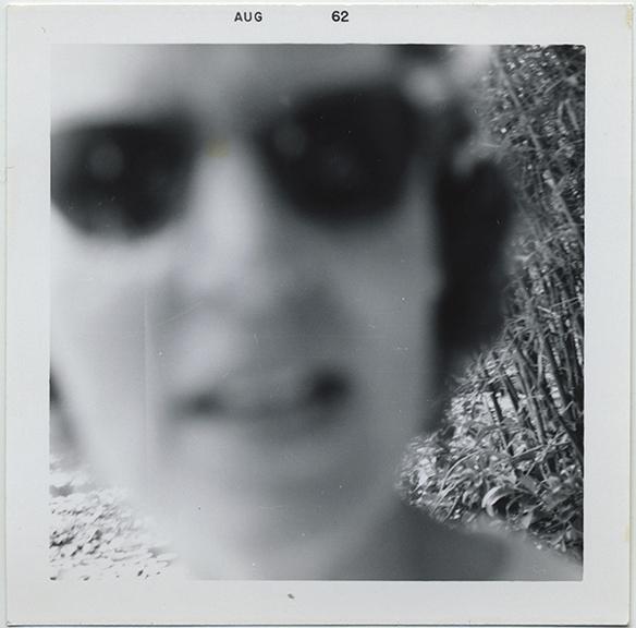 fp5980(Woman_Face_Sunglasses_Blur)