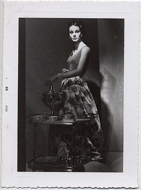 GORGEOUS SHOP WINDOW MANNEQUIN MODEL w. SAMOVAR DRAMATIC LIGHTING UNUSUAL! 1959