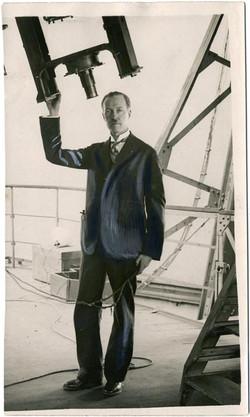 fp1222 (Man at Telescope)