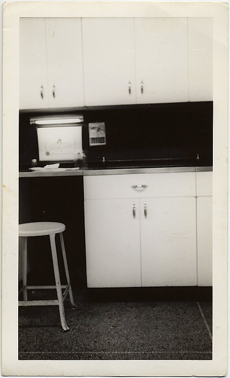 GREAT MODERN KITCHEN! STUDY in BLACK and WHITE!