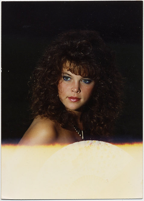 EPITOME of 1980s ICONIC BEAUTY w TEASED HAIR at END of the FILM ROLL WHITEOUT