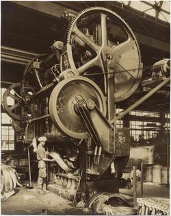 fp2383(Industrial.GallowayStudebakerFront