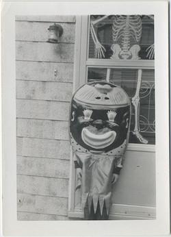 fp5678(Halloween_Costume_SkeletonWindowDecal_Clown)