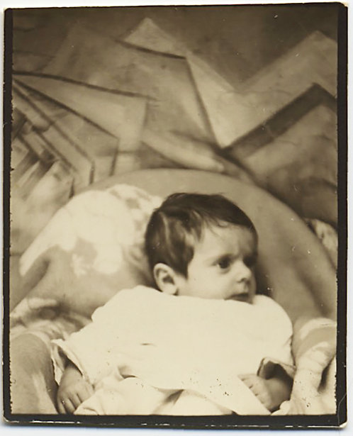 UNUSUAL BABY PHOTOBOOTH w PAINTED KANDINSKY-LIKE BACKDROP