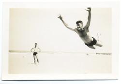 fp2633(Man_Beach_Leaping)
