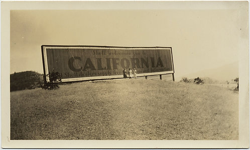 INCREDIBLE MASSIVE BILLBOARD DWARFS WOMEN WELCOME TO CALIFORNIA SHELL