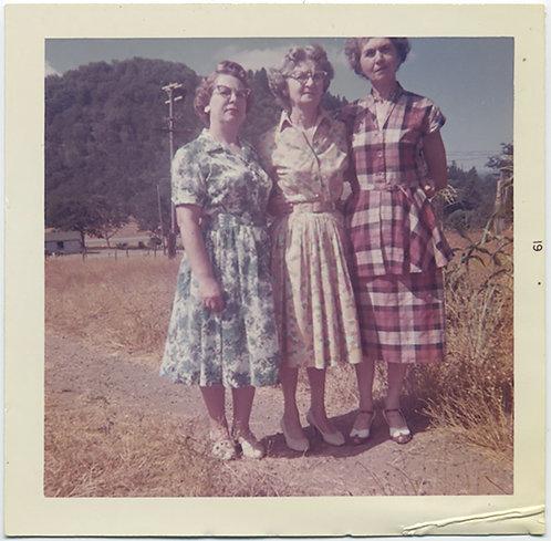 3 OLDER GRACES WOMEN in CLASHING PATTERNS! CAT'S EYE GLASSES PLAIDS FLORALS