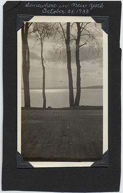 fp5832(SomewhereInNewYork_Dock_Lakeside_Trees)