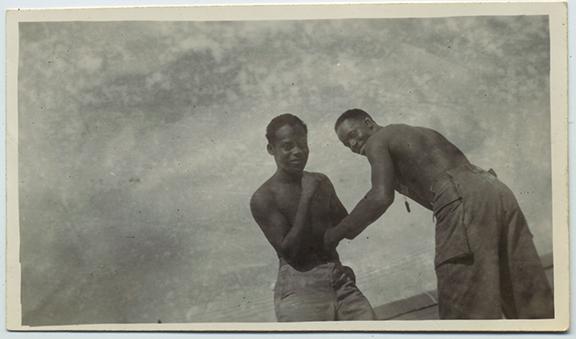 fp3436(TwoMen_Boxing_Shirtless)