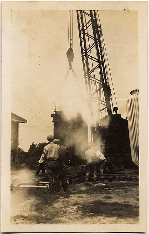 INFERNAL INDUSTRIAL! MEN WORK SMOKING CRANE and MACHINE!