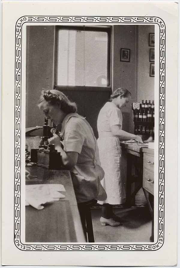 fp10301(Women-Lab-Microscope)
