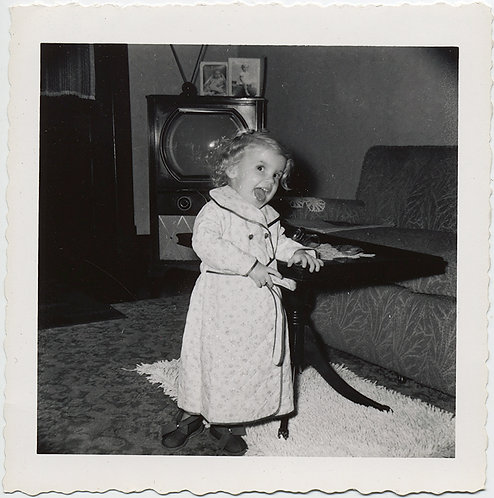 CRAZILY ECSTATIC CHILD in CUTE ODD ROBE w GREAT VINTAGE TV