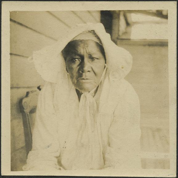 fpUncat(Old-AfricanAmericanWoman)