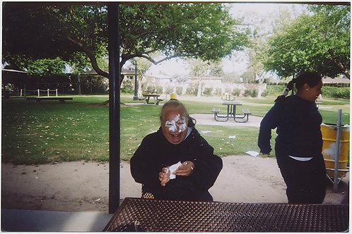 4x6 CRAZY LAUGHING WOMAN with CAKE ICING COVERING FACE at PICNIC TABLE