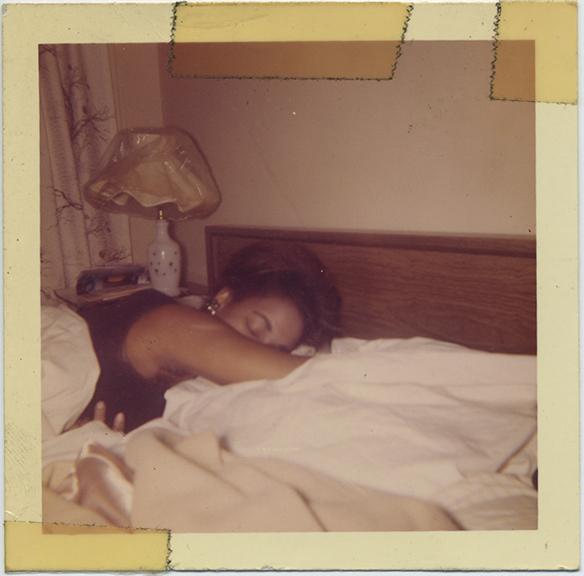 Uncat(Woman-Bed)