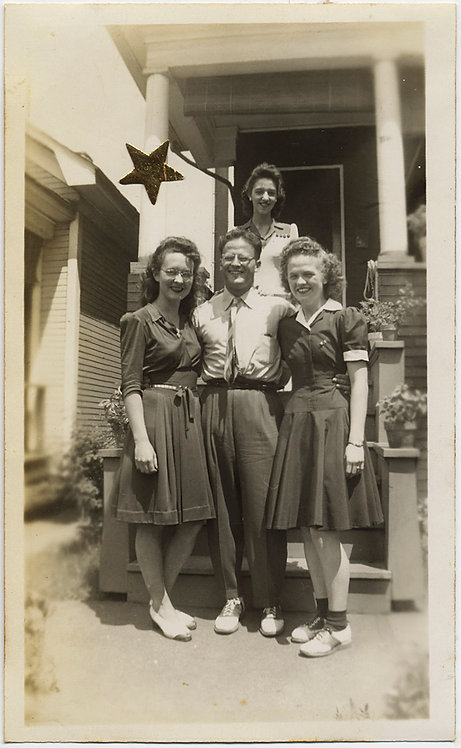 WOMEN SURROUND LUCKY GUY GOLD STAR GROUP with SADDLE SHOES