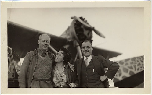 SUPERB THREESOME ADORING WOMAN PILOT LOVER & VINTAGE PROPELLOR PLANE