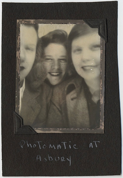 "FABULOUS UNFRAMED PHOMOATIC THREE SMILING  PRETTY WOMEN TOGETHER ""In Asbury"" NJ?"