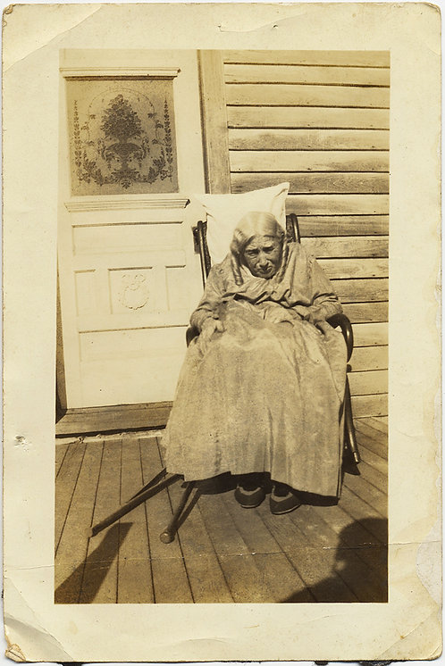 SUNKEN VERY OLD WOMAN COLLAPSED on ROCKING CHAIR on PORCH SPINAL CURVATURE