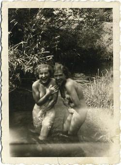 fp1008 (girls caught skinnydipping)