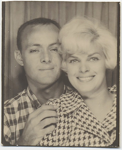 DREAMY PHOTOBOOTH COUPLE BLONDE HAPPY HOUNDSTOOTH & DROWSY-EYED PLAID