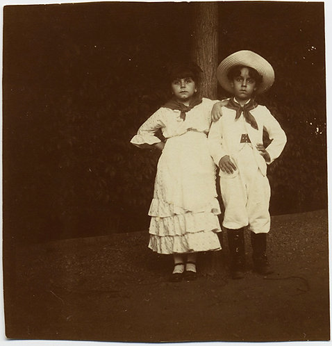 SUPERB YOUNG CHILDREN LITTLE ADULTS in SPANISH? DRESS BROAD-BRIMMED HAT