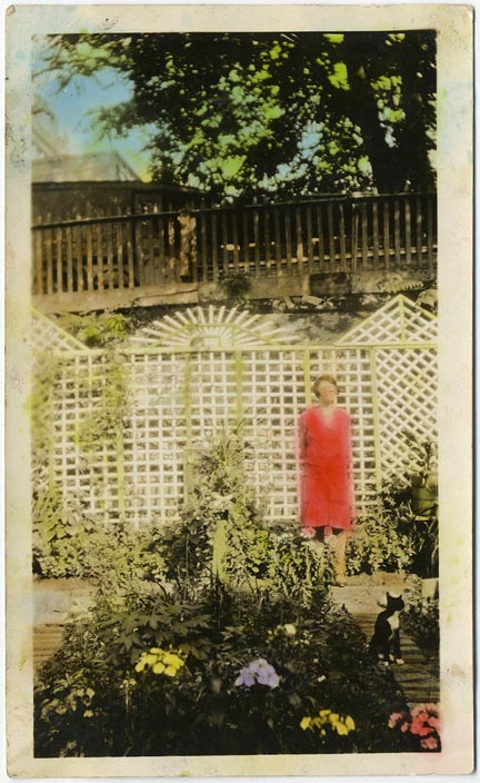 fp2045 (Woman-Garden-Colored)