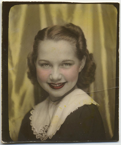 BEAUTIFUL HAND TINTED hand colored PHOTOBOOTH of PRETTY YOUNG WOMAN SMILING
