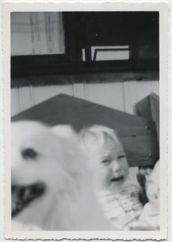 fp5462(Boy_Crying_Dog)