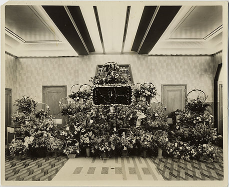 STRANGE! ROOM in NH (New Hampshire?) FILLED with FLOWER ARRANGEMENTS!