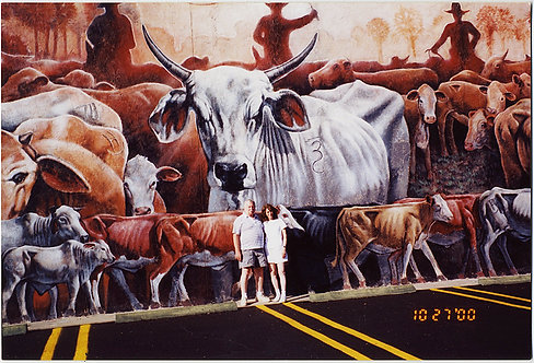 COUPLE POSING DWARFED by HUGE CATTLE MURAL in CAR PARK 4x6