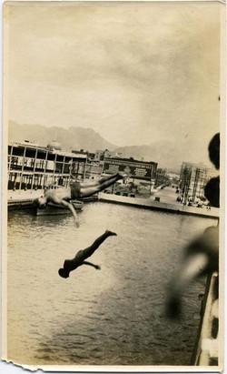 fp2186(Diving-Boys-Honolulu)