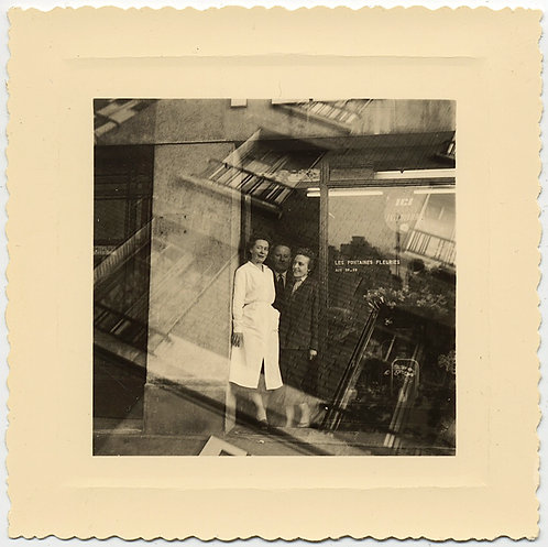 FABULOUS DOUBLE EXPOSURE FRENCH FRIENDS OUTSIDE FLOWER SHOP FONTAINES FLEURIES