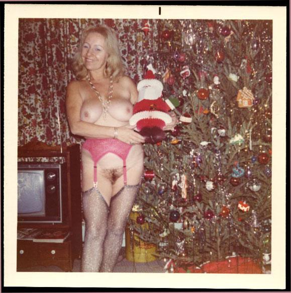 fp0476(Nude_Woman_Xmas)